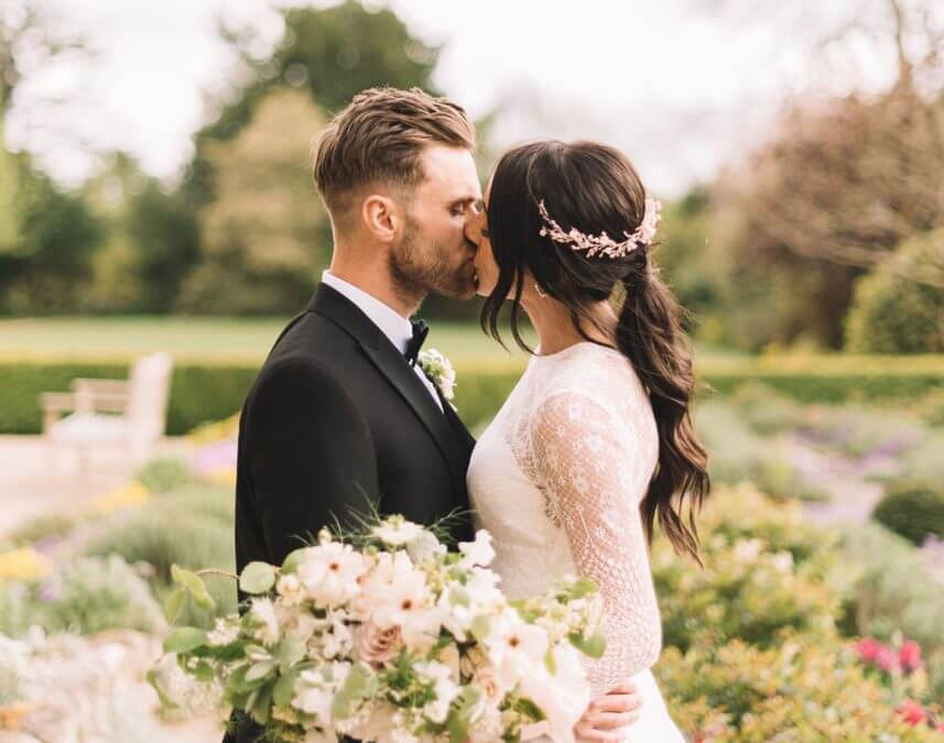 Top Tips for Planning Your Modern, Relaxed Wedding Day