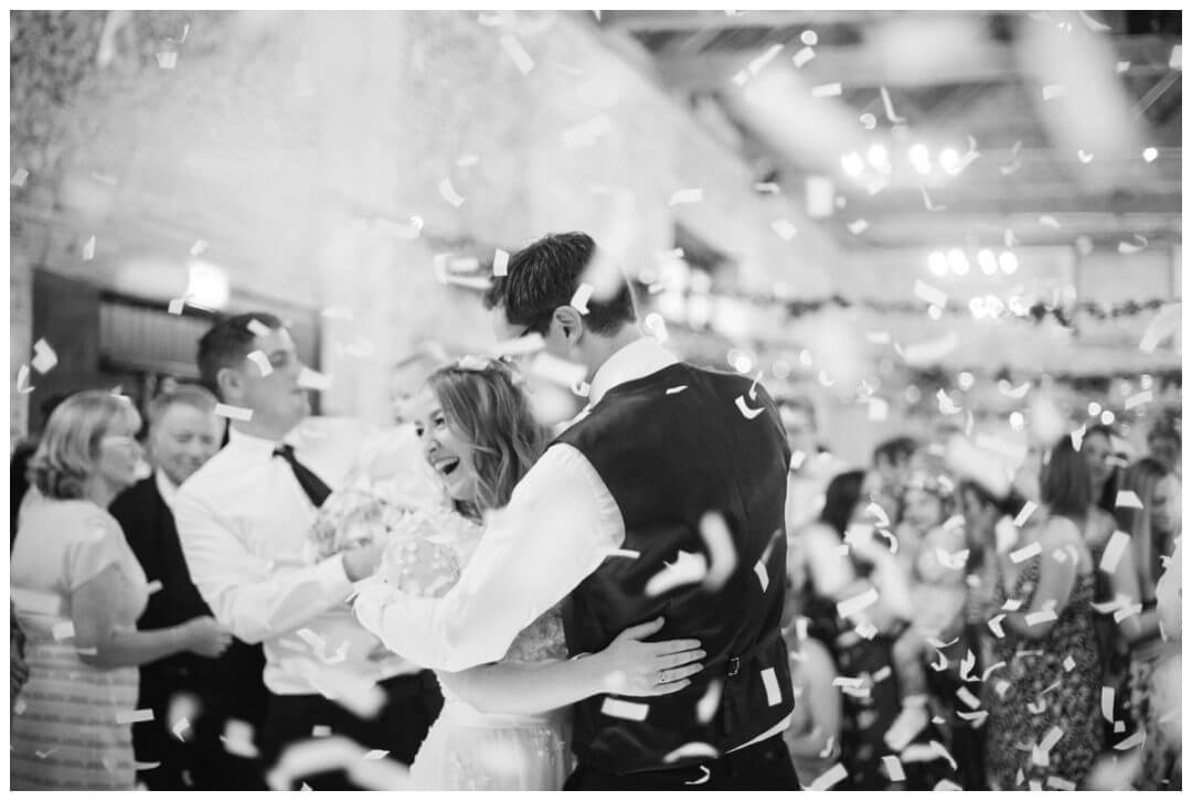 First dance at the Granary Estate with confetti cannons