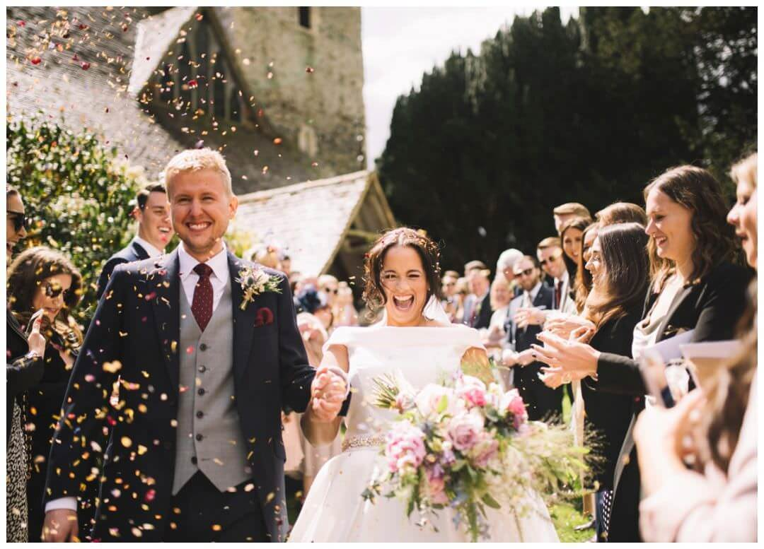 ECO FRIENDLY CONFETTI, ECO FRIENDLY TIPS, Preston Court Wedding Photography - the confetti throw