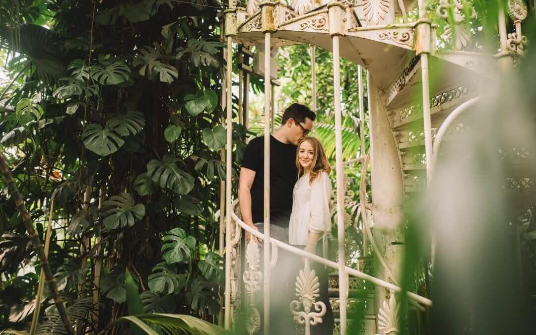 An Engagement Shoot at Kew Gardens in Spring